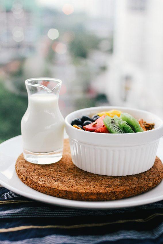 breakfast-1246685_1920